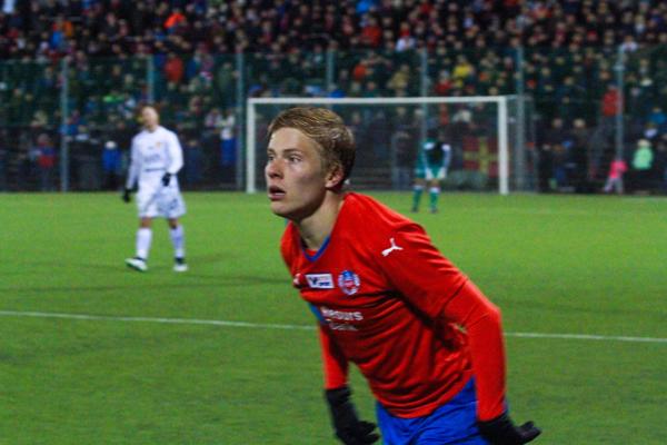 Jere Uronen gjorde åter en stabil insats från sin vänsterkant Foto: Samone Klinteberg