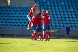 Anton Kinnader firar sitt 15 mål för säsongen Foto: Samone Falkman