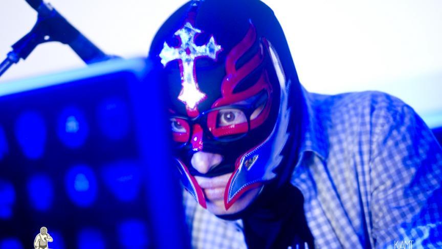 Masked writer