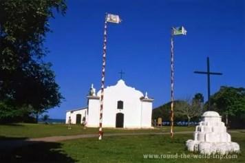 Igreja na praça central de Trancoso