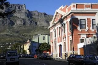 A Cidade do Cabo é envolvida pelo mar e pelas table mountains