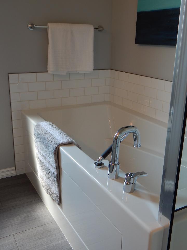 Bathroom Cleaning Toilet Bowl Fiberglass Tub Tiles