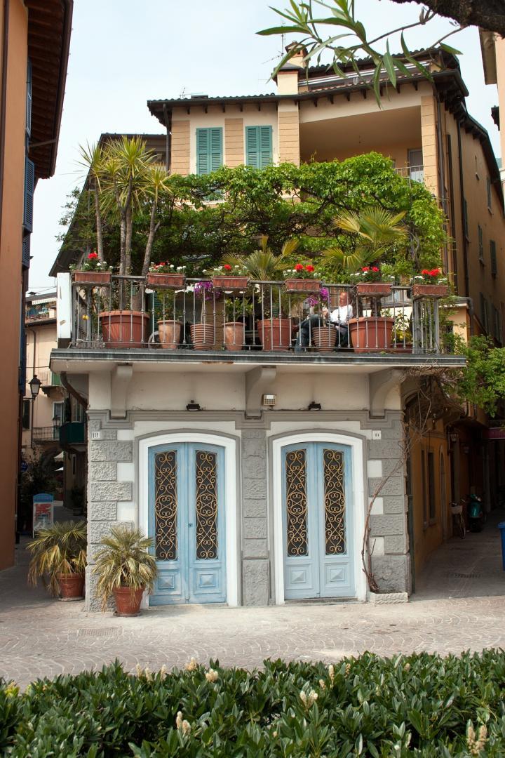 10 tips for starting a balcony garden