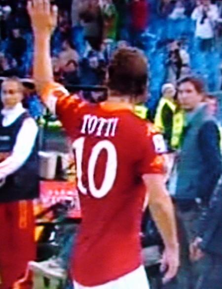 Standing ovation per il capitano