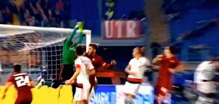 Diego Lopez para la punizione di Totti