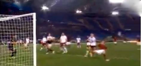 2-2 Totti in torsione infila nel sacco