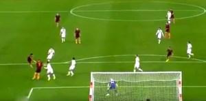 Salah scocca il tiro del raddoppio
