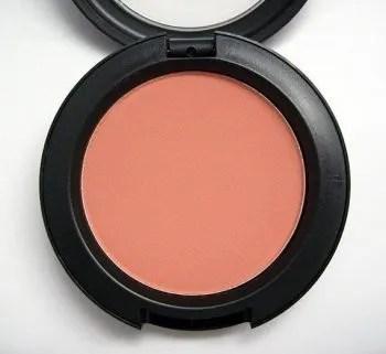 Meus blushes preferidos: blush Melba da Mac