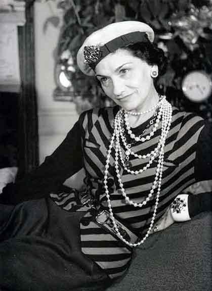 Look navy Coco Chanel