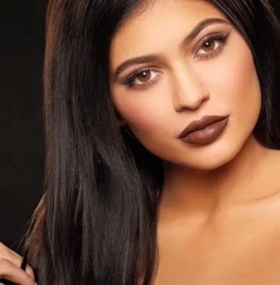 Batom marrom Kylie Jenner