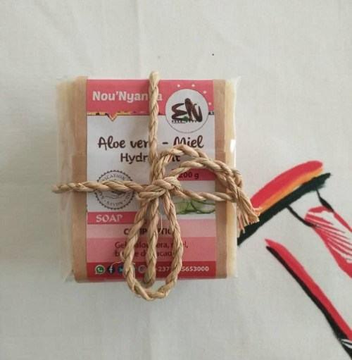 nounyanga-savon-hydratant-aloevera-miel