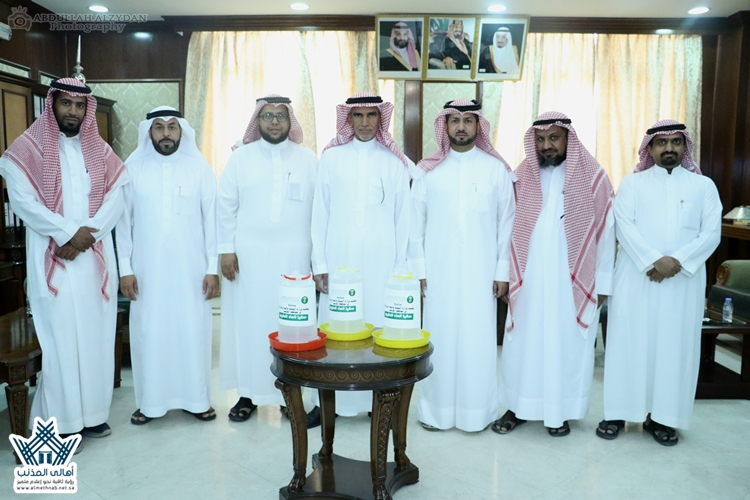 """مكتب وزارة البيئة والمياه والزراعة بالمذنب يُطلق مبادرة """"سقيا الطيور"""" بتدشين سعادة المحافظ"""