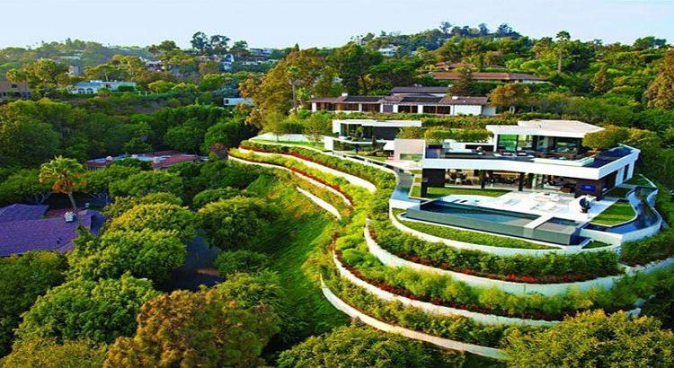 أمير مغربي يبيع قصره بكاليفورنيا بـ14 مليار سنتيم