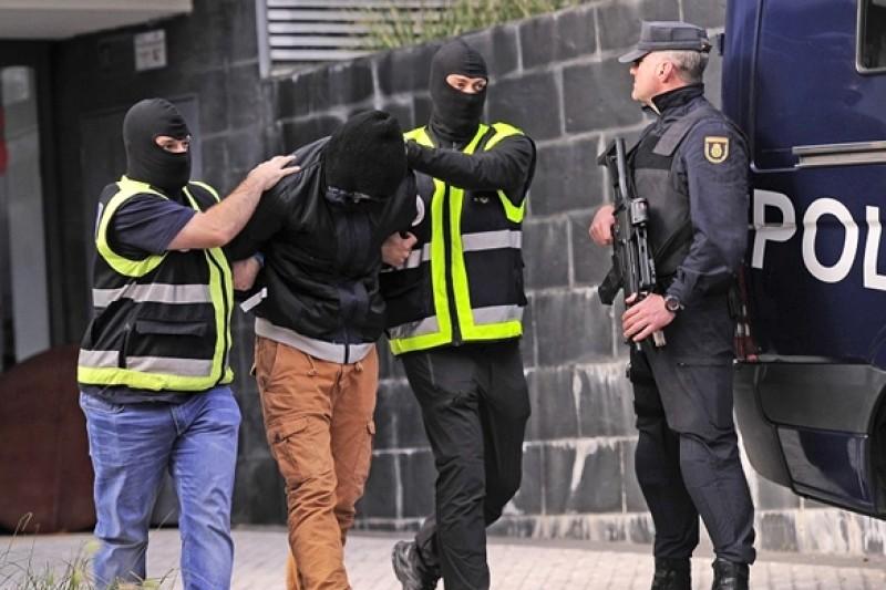 اعتقال ثلاثة مغاربة بمدريد بتهمة الارهاب