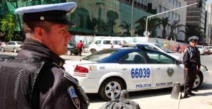 Los uniformados decomisaron a los agresores una pistola calibre .380 sin cartuchos útiles, de procedencia española