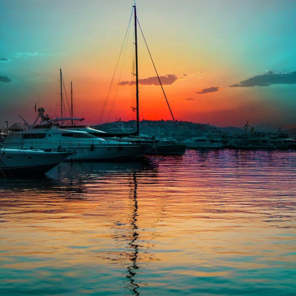 Apus de soare pe Riviera Atenei