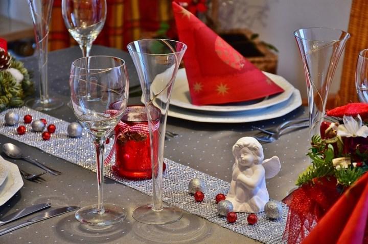 Masă festivă de Anul Nou