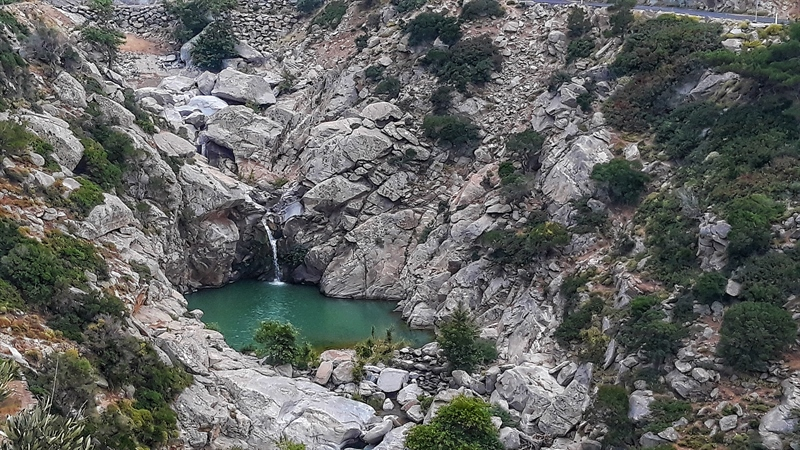 cascadă pe râul Charakas Ikaria