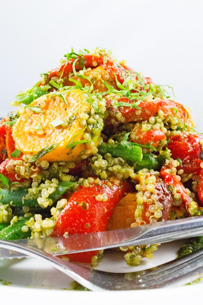 Quinoa Salad - Superfood quinoa salad. Healthy, vegetarian, gluten-free & 9 amino acids. TASTY!!