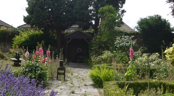 Almonry Gardens