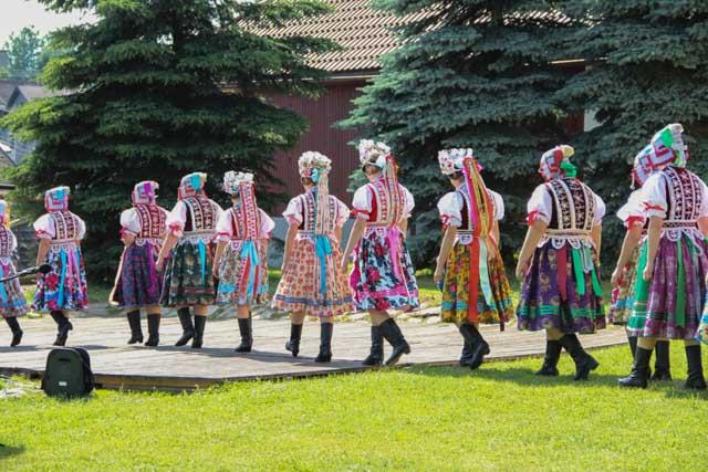 Slovak folk performers go on stage