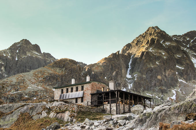 Teryeho chata against the backdrop of mountain peaks in the Slovak High Tatras