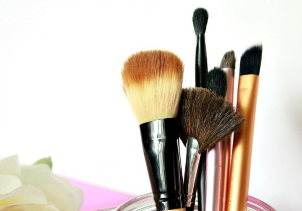 makeup-brush-cleanser-2
