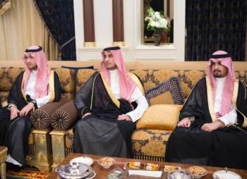 الملك يشرف مأدبة العشاء في الامارات18