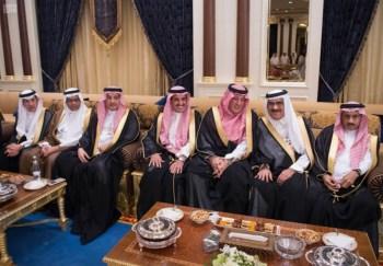 الملك يشرف مأدبة العشاء في الامارات19