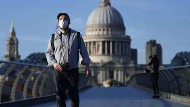 بريطانيا قد تلجأ للخيار المر قريبًا أمام ارتفاع الإصابات بـ كوفيد-19