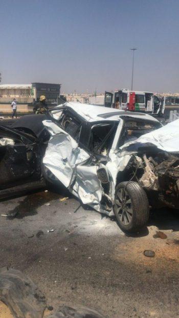 لحظة وقوع حادث المدينة المنورة المروري ومطالب بالفحص الدوري للشاحنات - المواطن