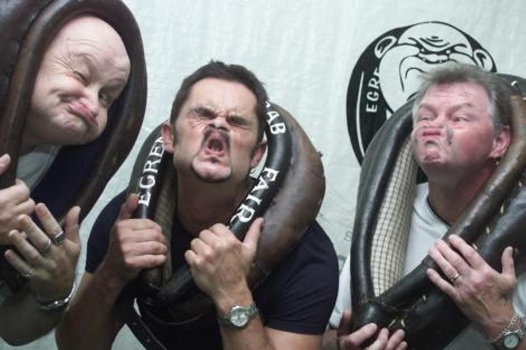 Verzerren Gesichter in England Wettbewerb