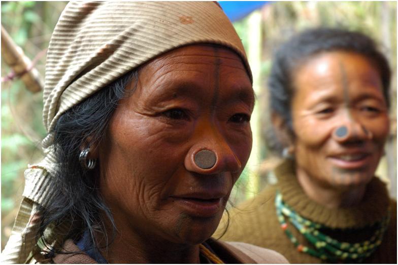 نساء الاباتاني