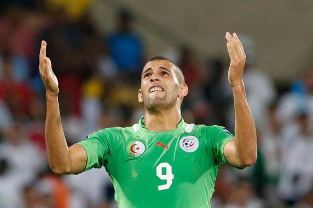 لاعب كرة القدم الجزائري اسلام سليمان