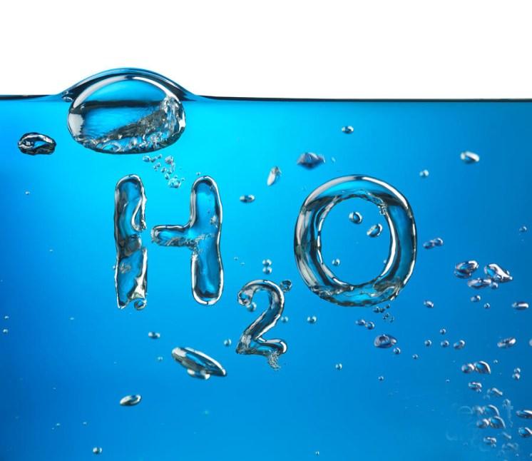 استخدامات هامة لماء الأكسجين للعناية بجمالك - المرسال