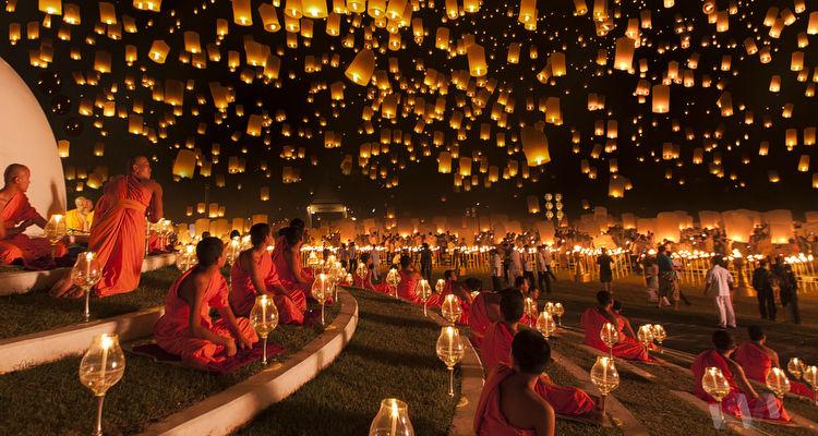 Image result for مهرجان اكتمال القمر في تايلاند