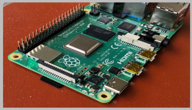 اطلاق جهاز Raspberry Pi 4