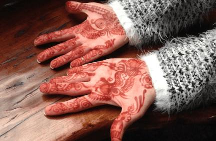 تفسير حلم الحنة في اليد
