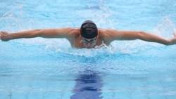 تفسير حلم السباحة في المنام للعزباء