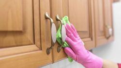 تفسير حلم تنظيف دولاب المطبخ في المنام