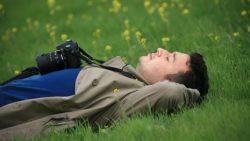 تفسير حلم النوم خارج المنزل في المنام