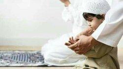 تفسير حلم الميت يوصي الحي بالصلاة في المنام