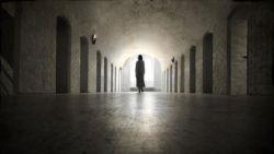 تفسير حلم المشي مع الميت في الليل في المنام للرجل