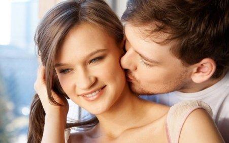 تفسير حلم القبلة من الخد في المنام