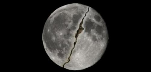 تفسير حلم رؤية انشقاق القمر في المنام