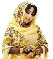 الفنانة نسرين هندي في مؤانسة رمضانية: صديقة حميمة للمطبخ وخطيرة في تجهيز النعيمية