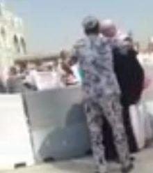 بالفيديو:  التعرف على العسكري المعتدي على حاج بالحرم.. ومسؤول: تصرفه مرفوض وسيحاسب