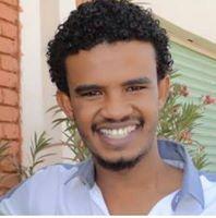 الفنان حسين الصادق في رده على قُبلة مُعجبة على المسرح ( لا أملك السيطرة على الآخرين ولو تجاوزا ) !