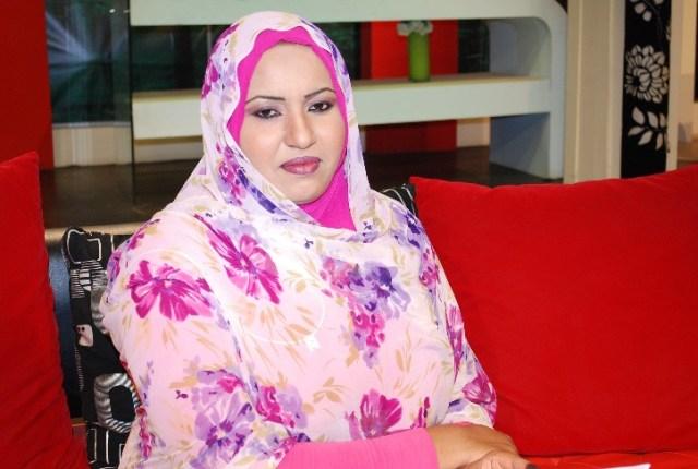 المذيعة-عواطف-محمد-عبد-الله