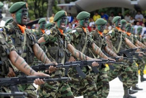 جيش عنيف